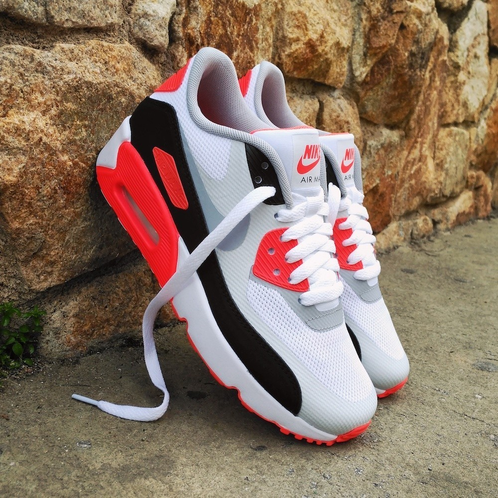 Nike Air Max 90 Ultra 2.0...