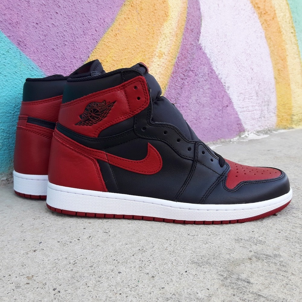 Air Jordan 1 Retro Bred...