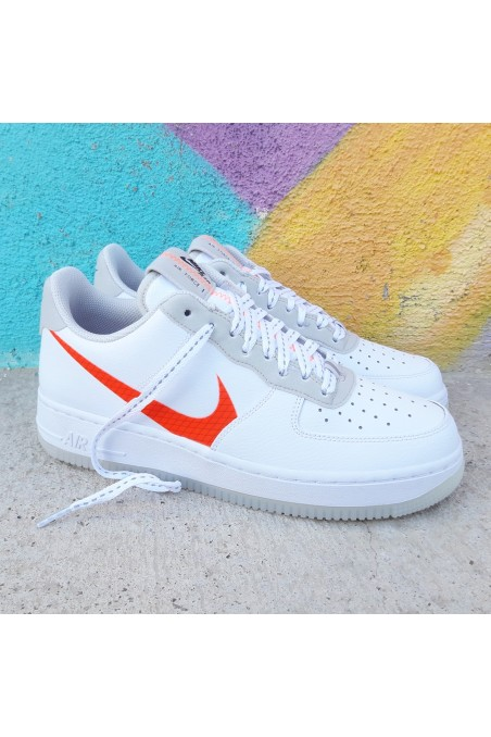 Nike Air Force 1 07 LV8...