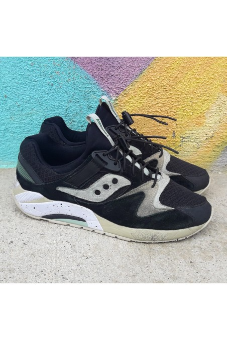 Used Saucony Grid 9000...